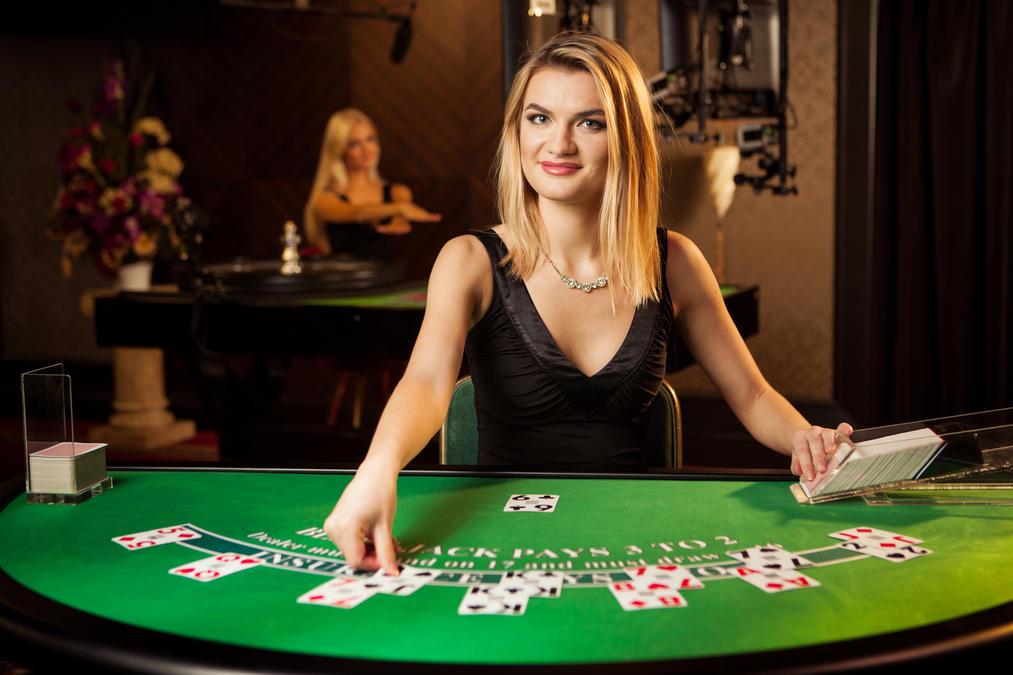 Играть онлайн в 21+3 Blackjack